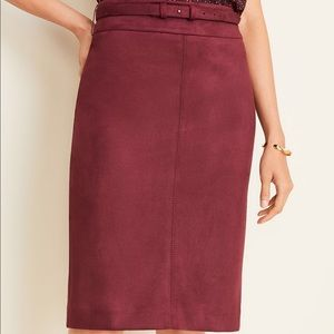 New Ann Taylor Faux Suede Skirt with belt (0P)